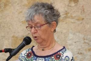 """Marie Françoise lisant un extrait du recueil """"Premières fois"""""""